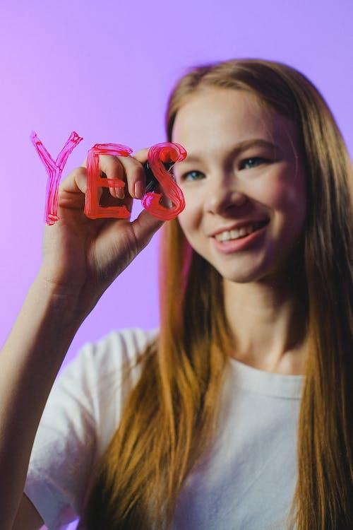 Immagine gratuita di accordo, adolescente, allegro