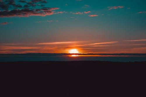 คลังภาพถ่ายฟรี ของ ความมืด, ช่วงแสงสีทอง, ดวงอาทิตย์, ตอนเย็น