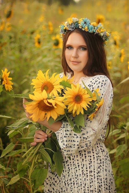 Fotobanka sbezplatnými fotkami na tému dievča, exteriéry, jeseň