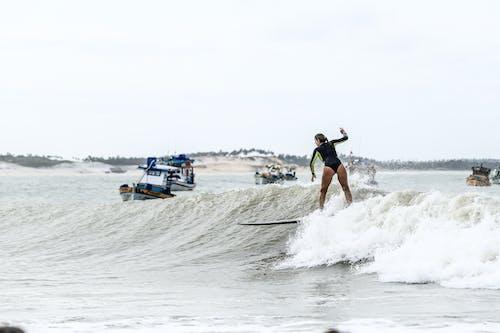 Darmowe zdjęcie z galerii z akcja, deska surfingowa, deskorolka