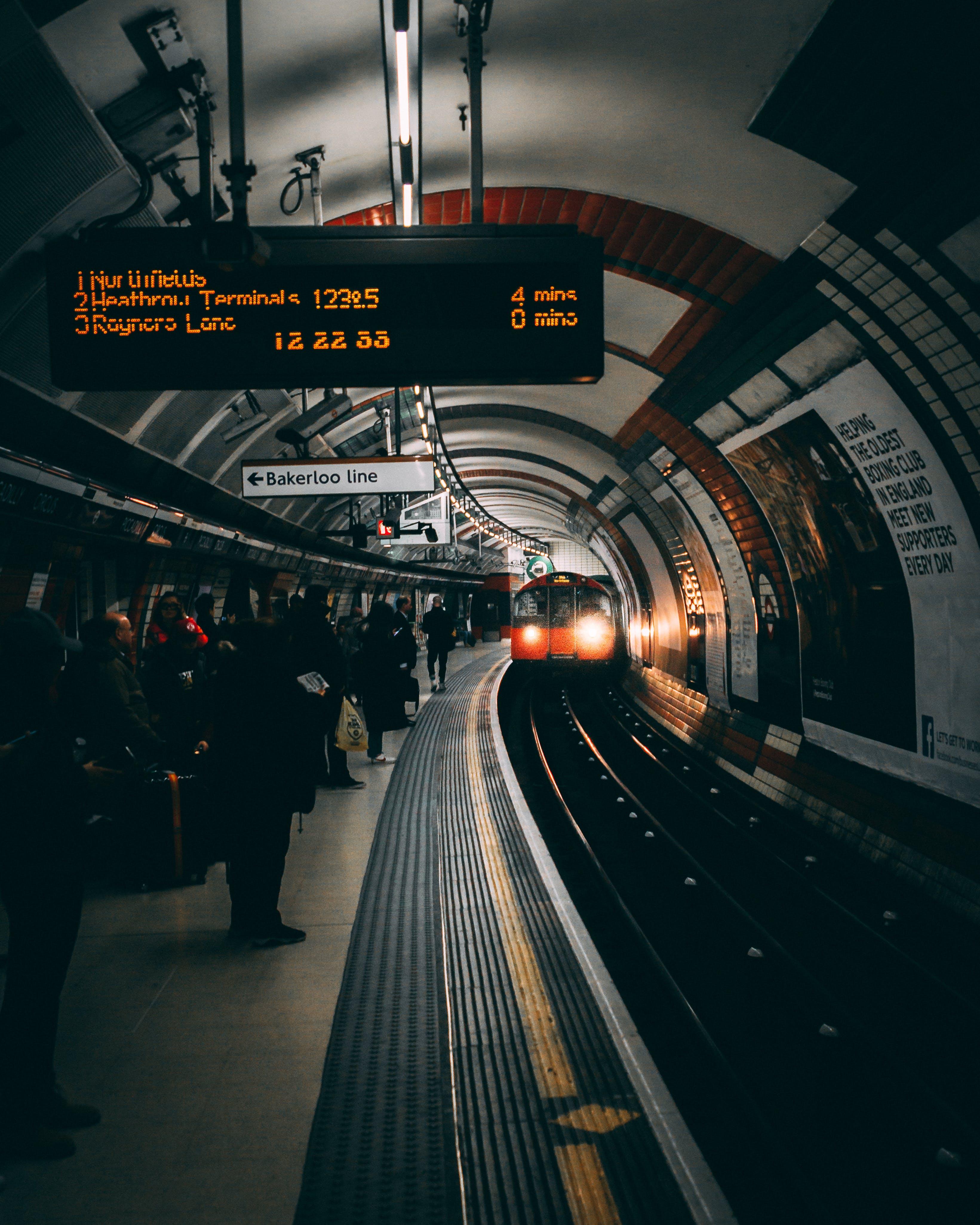 Základová fotografie zdarma na téma Londýn, stanice, trénovat, tunel