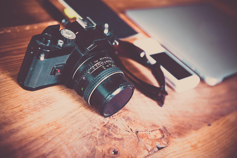 laptop, vintage φωτογραφική μηχανή, κάμερα