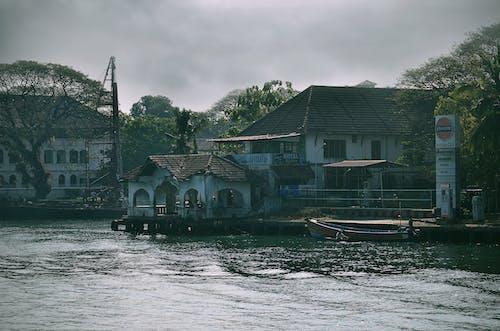 Foto d'estoc gratuïta de aigua, arquitectura, barca, edifici