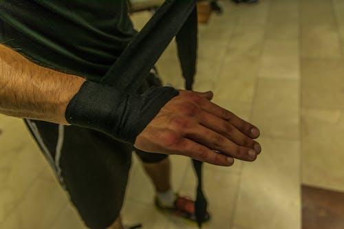 Безкоштовне стокове фото на тему «займається боксом, обгортання, спортзал»