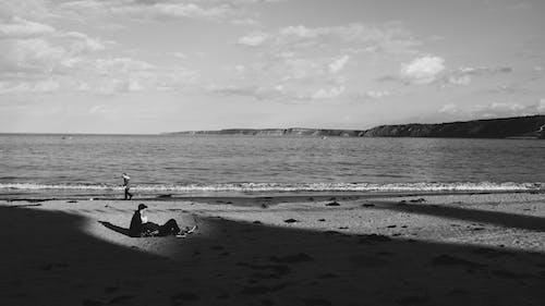Бесплатное стоковое фото с берег, Взрослый, вода, водный транспорт