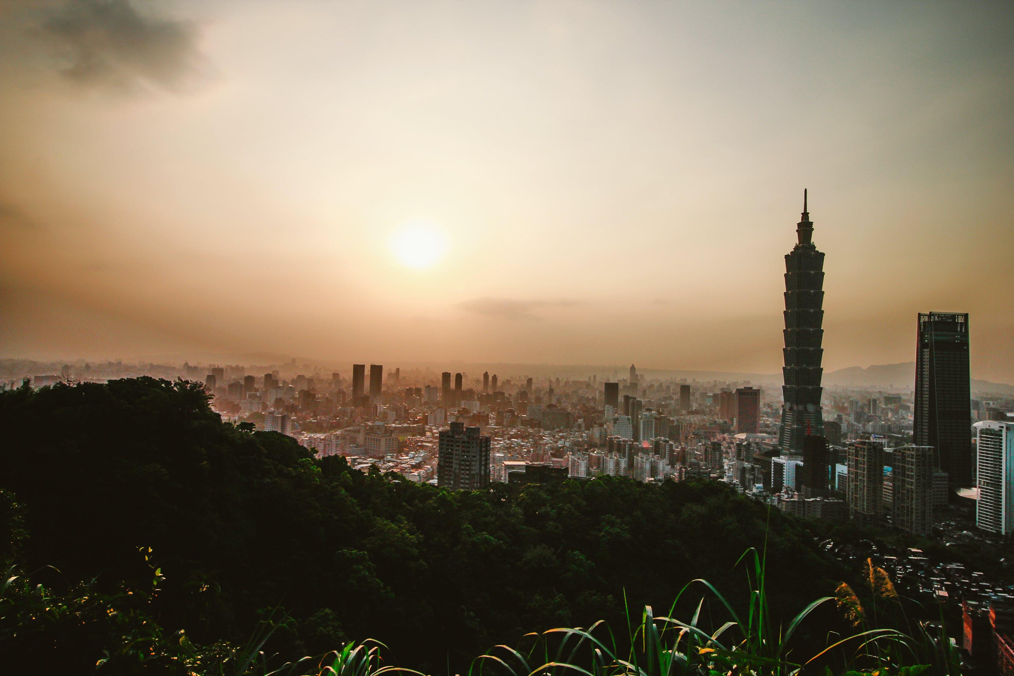 Kostenloses Stock Foto zu stadt, landschaft, himmel, sonnenuntergang