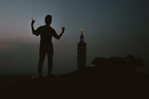 Foto d'estoc gratuïta de noi, ombra, paisatge, posar