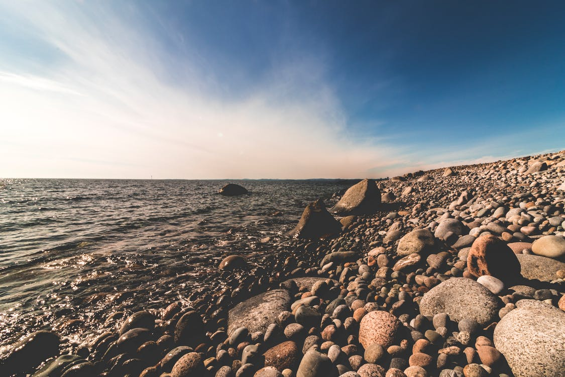 bord de mer, brillant, cailloux
