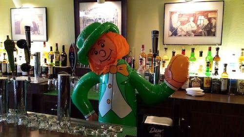 Free stock photo of bar, bartender, big leprechaun, Great Lakes Gathering
