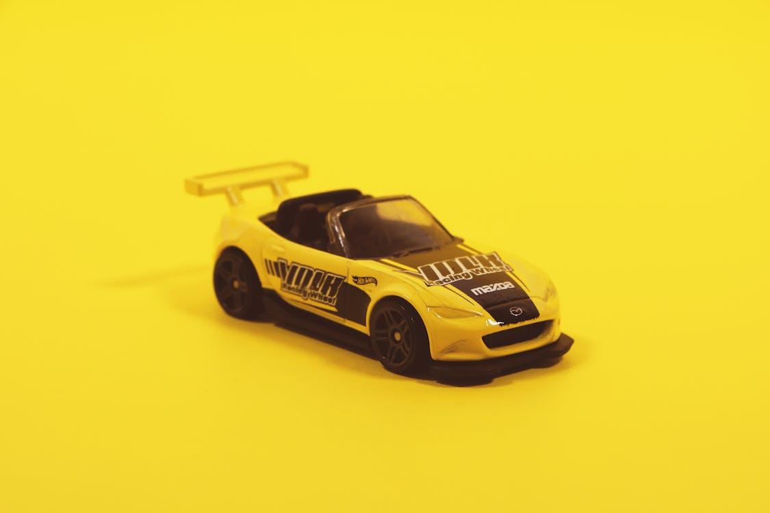 cotxe, groc, joguina
