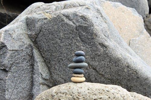 Fotobanka sbezplatnými fotkami na tému kamene, okruhliaky, pláž, Zen