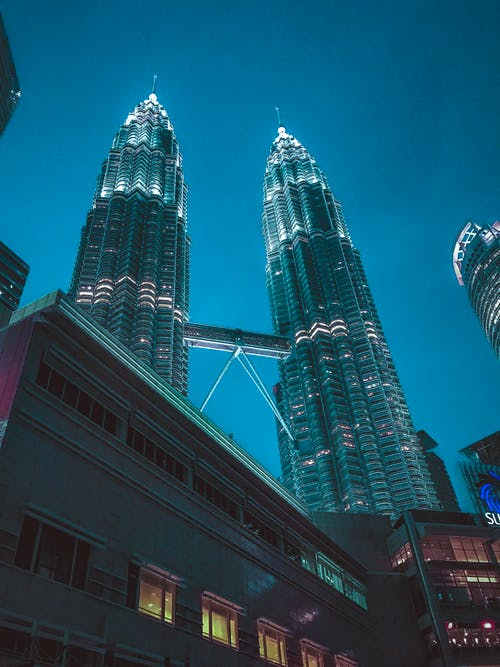 Kostenloses Stock Foto zu architektur, asien, aufnahme von unten, beleuchtung