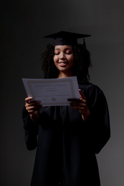 Δωρεάν στοκ φωτογραφιών με αποφοίτηση, δουλειά, επαγγελματίας