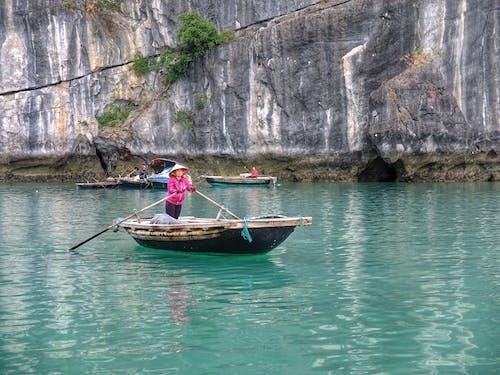 Безкоштовне стокове фото на тему «#edayday people #asia #fishing #boat»