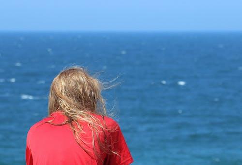 Gratis stockfoto met blikveld, blond haar, daglicht, golven