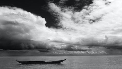 Zdjęcia bez opłat licencyjnych z chmury, czarno-biały, fale, h2o
