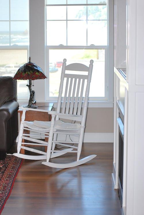 Δωρεάν στοκ φωτογραφιών με κουνιστή καρέκλα