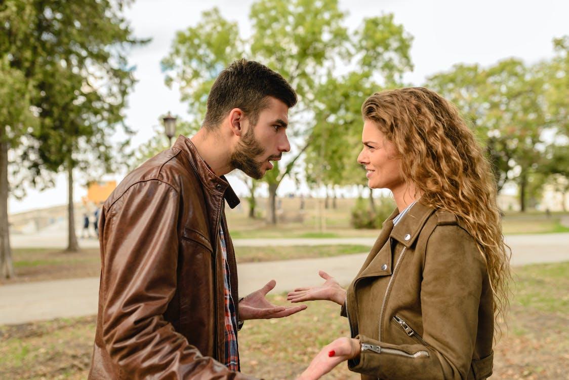 Santun dalam berbicara dan bertindak adalah bentuk norma susila