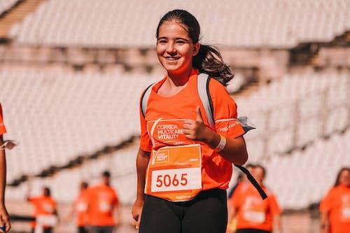 Základová fotografie zdarma na téma adolescent, akční energie, běžec