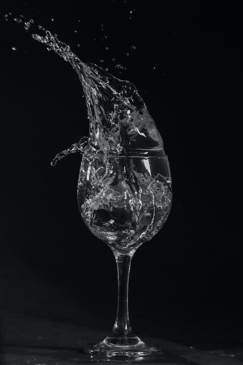 Kostenloses Stock Foto zu alkohol, alkoholisches getränk, bewegung