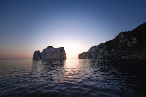 akşam, akşam karanlığı, deniz içeren Ücretsiz stok fotoğraf