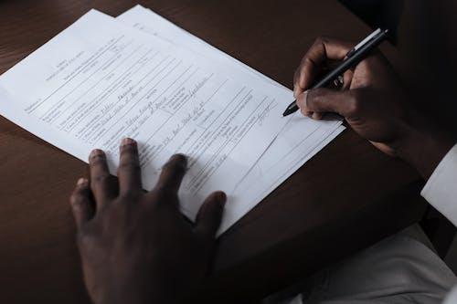 Ingyenes stockfotó aláírás, asztal, beltéri témában