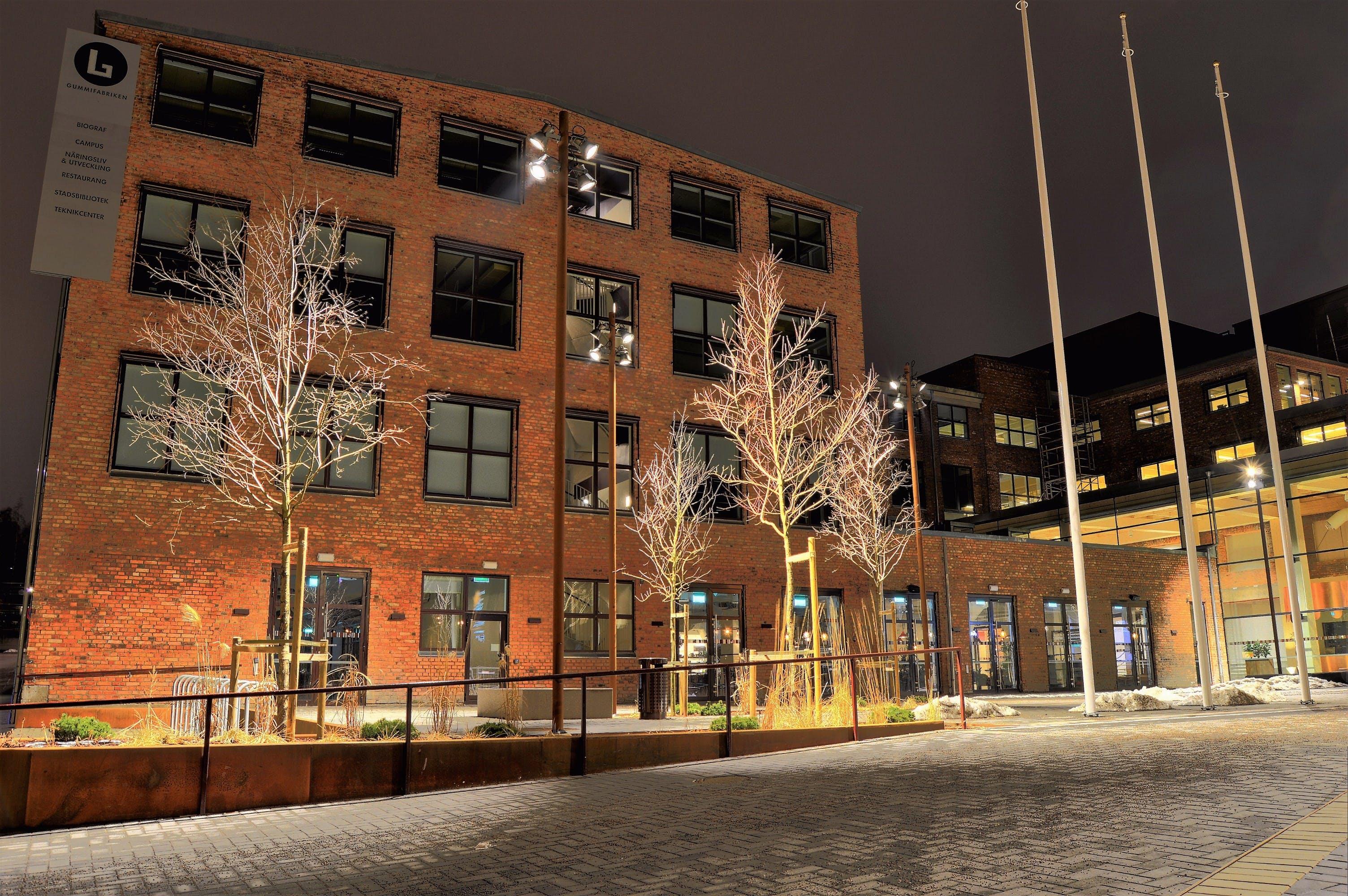 Základová fotografie zdarma na téma architektura, budova, centrum města, noc