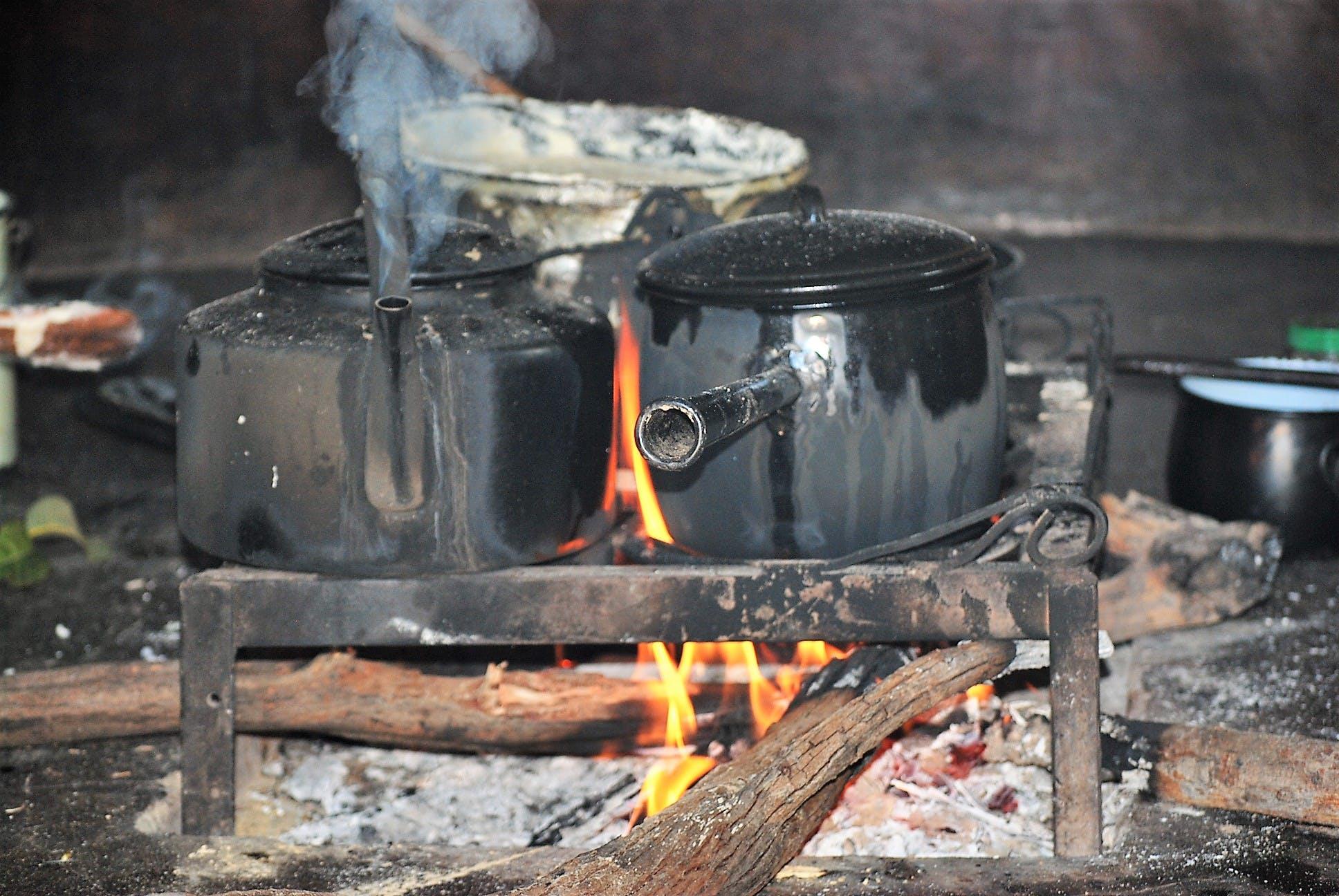 Gratis lagerfoto af madlavning på åben ild