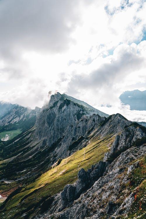 Δωρεάν στοκ φωτογραφιών με rock, ακραίο έδαφος, βουνό