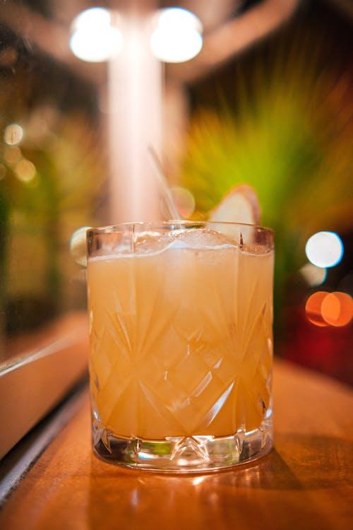 Fotos de stock gratuitas de adentro, bar, barista