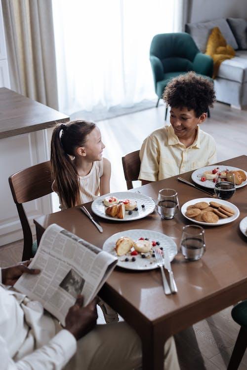 Ảnh lưu trữ miễn phí về bàn, bữa ăn sáng, cái ghế