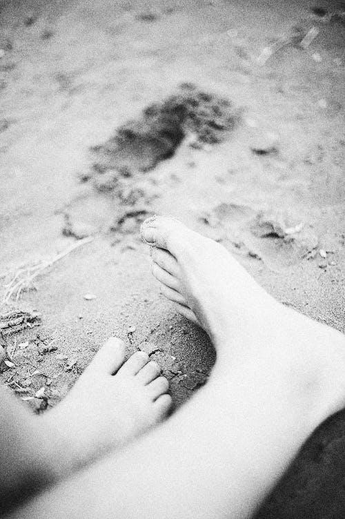 Ingyenes stockfotó csupasz, fekete-fehér, homok témában