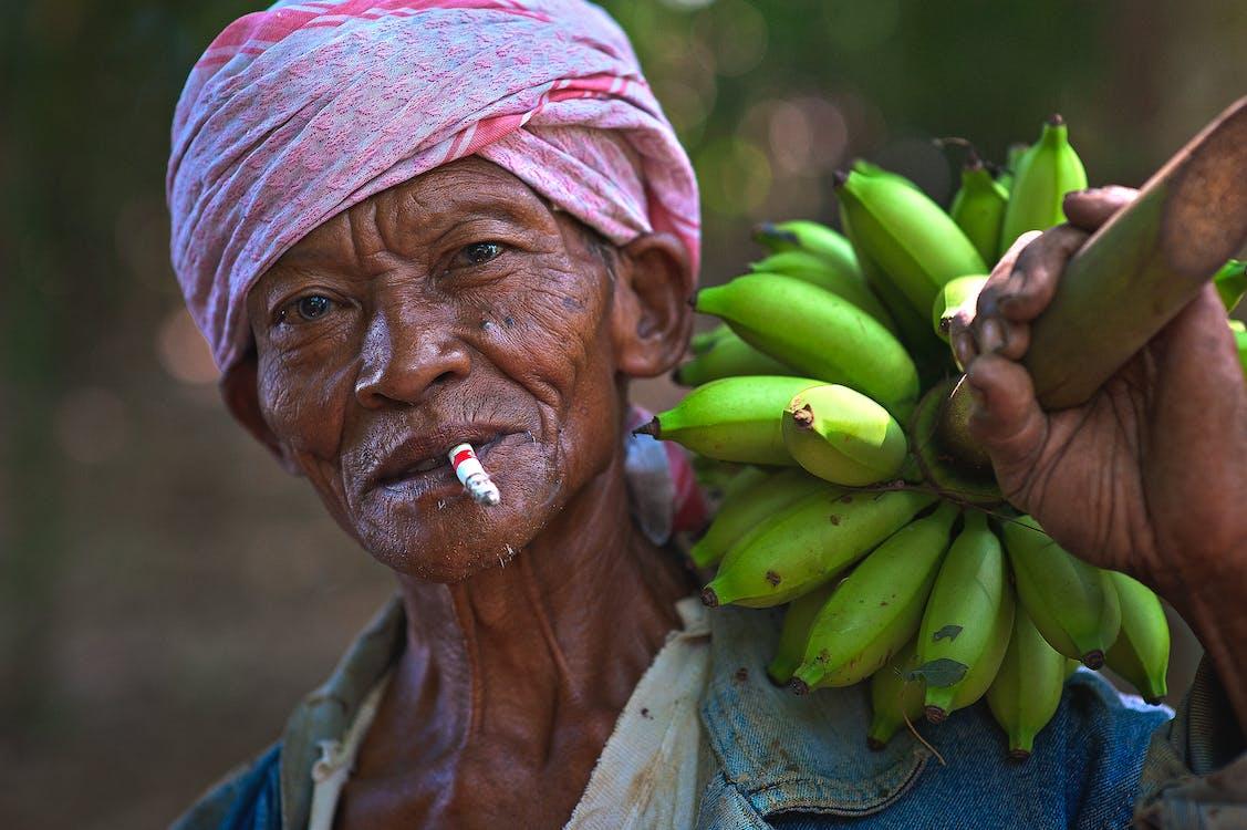 álló kép, arckifejezés, banán