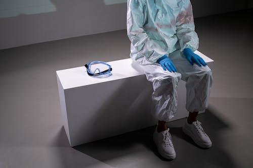 คลังภาพถ่ายฟรี ของ ถุงมือ, ที่ระบาด, นั่ง