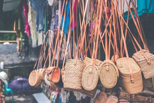 Δωρεάν στοκ φωτογραφιών με αγορά, αγροτικός, έκπτωση, κρέμασμα