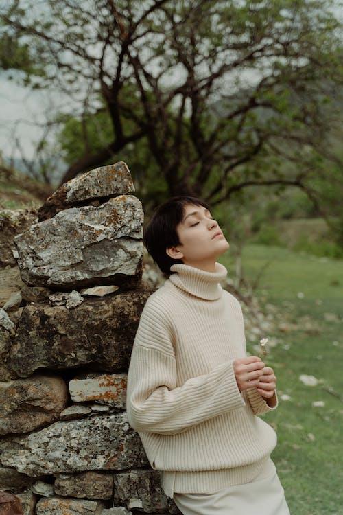 Základová fotografie zdarma na téma kameny, kavkazská žena, krásný