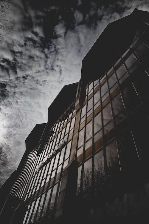 Δωρεάν στοκ φωτογραφιών με αντανάκλαση, αρχιτεκτονική, αρχιτεκτονικό σχέδιο, αστικός