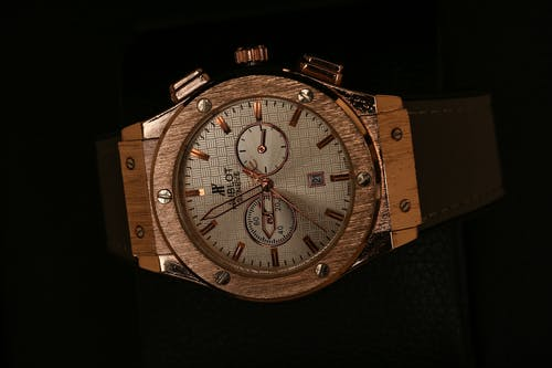 A Hublot Wristwatch with Leather Strap