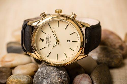 Gratis arkivbilde med armbåndsur, dyr, gyllen