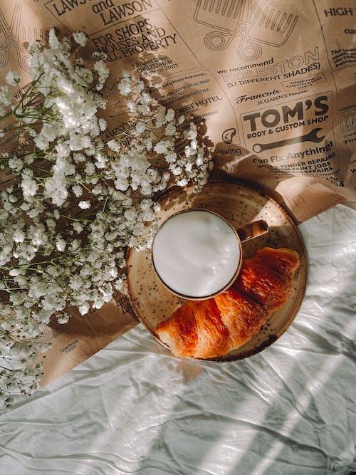 Бесплатное стоковое фото с белый, бумага, завтрак