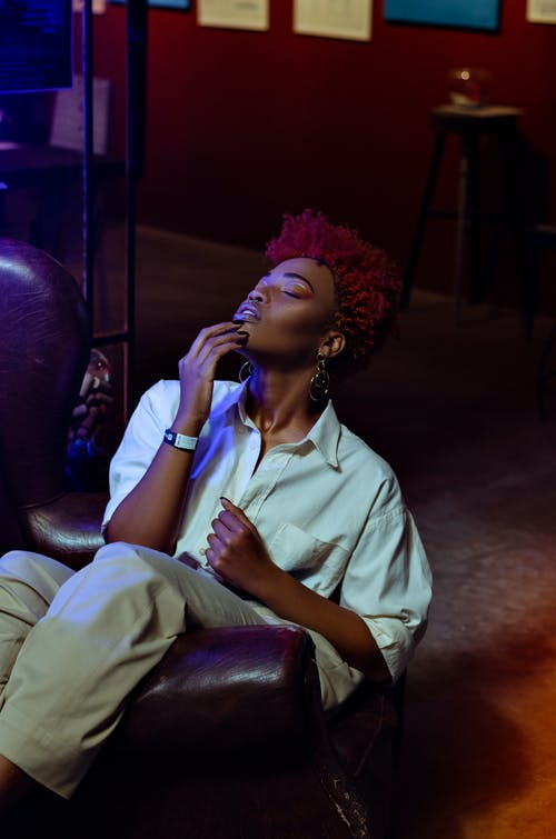 Безкоштовне стокове фото на тему «Афро-американський, білий, Блузка»