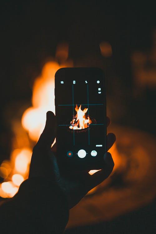 Δωρεάν στοκ φωτογραφιών με ανάβω φωτιά, άνδρας, Άνθρωποι