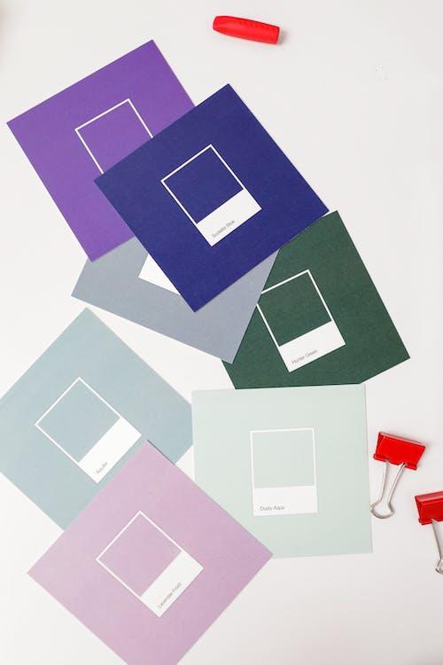 Безкоштовне стокове фото на тему «барвистий, білий фон, вертикальний»