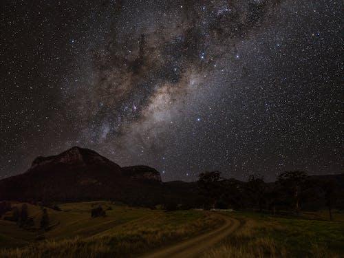 açık hava, astronomi, dağ içeren Ücretsiz stok fotoğraf