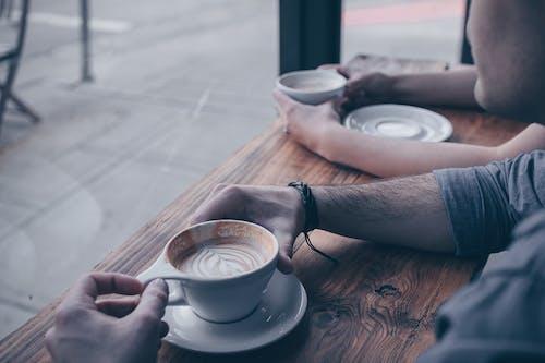 一杯咖啡, 人, 咖啡, 喝 的 免费素材照片