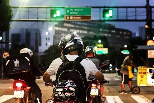Darmowe zdjęcie z galerii z moto, motocykl, motocyklista
