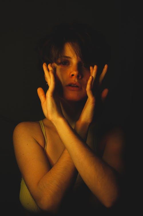 女性, 室內, 工作室拍攝 的 免費圖庫相片