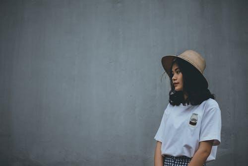 Základová fotografie zdarma na téma asijský, dívání, dospělý, holka