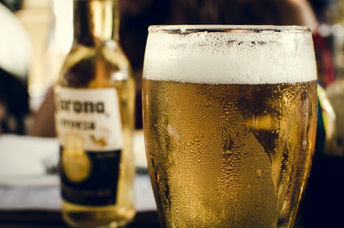 Základová fotografie zdarma na téma alkohol, alkoholický nápoj, bar, chlazený