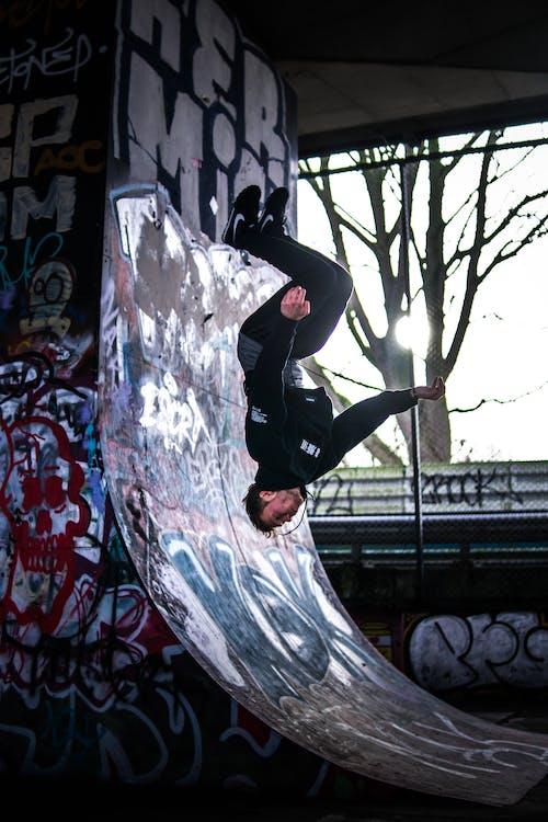 Foto d'estoc gratuïta de aprenent, còrrer lliurement, esport, esport extrem